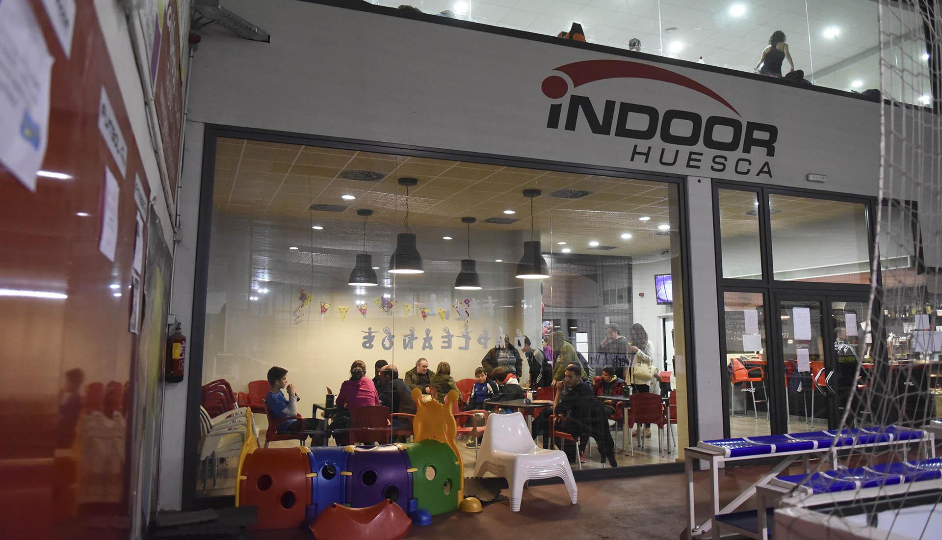 Almuerzos y Padel Indoor Huesca