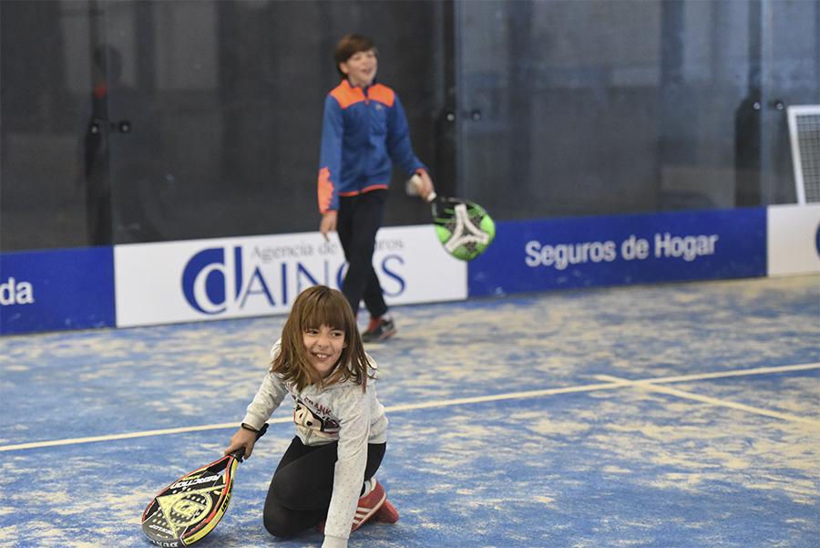 escuela de padel infantil en Huesca